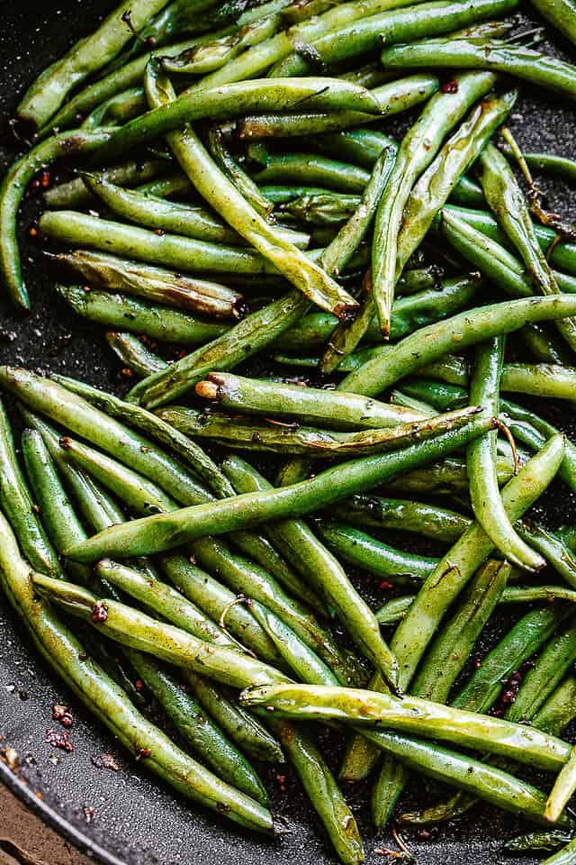 pan frying green beans
