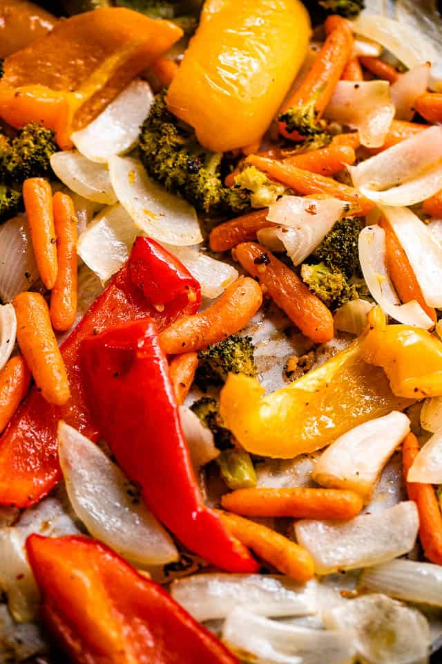 strips of bell peppers, broccoli florets, onion slices